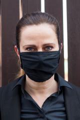 Bavlněná úpletová rouška na ústa a nos s kapsou - černá