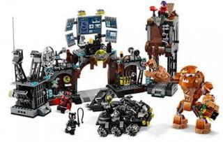 LEGO Super Heroes 76122 Clayface™ útočí na Batmanovu jeskyni - rozbaleno