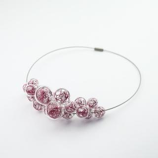 Skleněný fialový náhrdelník Ko-ra-le Wired Foam