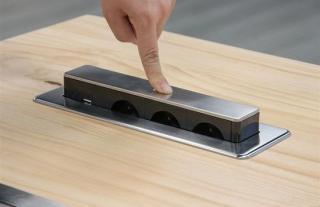 Solight USB výsuvný blok zásuvek, 3 zásuvky, prodlužovací přívod 1,9 m, obdélníkový tvar, stříbrný, PP126 - rozbaleno