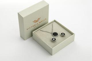 Victoria Walls Krásný set náušnic a řetízku VS1104S